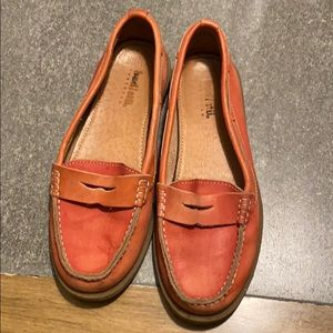 Used coral bed Stu loafers